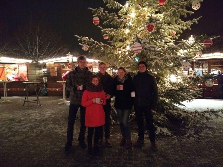 2017_Weihnachtsmarkt mit Glühwein